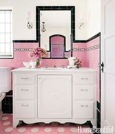 Brand New Colorful Bathrooms That Look Vintage or Retro Pink Bathrooms Designs, New Bathroom Designs, Bathroom Red, Vintage Bathrooms, Bathroom Colors, Tiled Bathrooms, Bathroom Ideas, 1930s Bathroom, Boho Bathroom