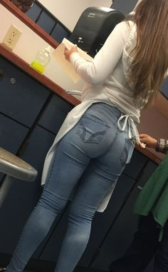Creepshot Collection — Chef girl has a perfect ass man, I'd fuck her on. Superenge Jeans, Sexy Jeans, Skinny Jeans, Cut Out Jeans, Candid Girls, American Eagle Outfits, Pinup Girl Clothing, Tights Outfit, Girls Jeans
