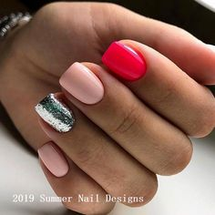 False nails have the advantage of offering a manicure worthy of the most advanced backstage and to hold longer than a simple nail polish. The problem is how to remove them without damaging your nails. Bright Summer Nails, Cute Summer Nails, Cute Nails, Pretty Nails, Summer Shellac Nails, Cute Summer Nail Designs, Short Nail Designs, Summer Design, Perfect Nails