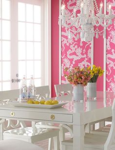 Creative Home Design Ideas European inspired office design Interior Design whiteroses-in-spring: (via Pink Interior Design and Decorating -. Pink Dining Rooms, Yellow Dining Room, Dining Set, Dining Nook, Dining Table, Home Design, Home Interior Design, Design Hotel, Wall Design