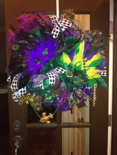 Mardi Gras Feather Wreath, Mardi Gras, Mardi Gras mesh wreath, Mardi Gras wreath, New Orleans, Fat Tuesday, Mardi Gras decor, wreath