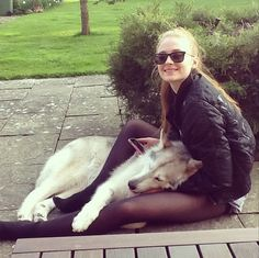 Did+you+know+that+Sophie+Turner+adopted+her+direwolf+from+the+show?+Awww.