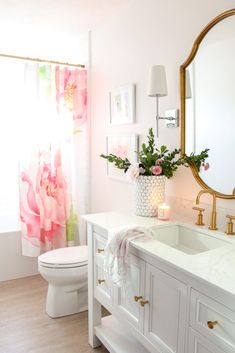 Little Girl Bathroom Decor. 20 Little Girl Bathroom Decor. 10 Little Girls Bathroom Design Ideas Girl Bathroom Decor, Gold Bathroom, Bathroom Interior, Modern Bathroom, Bathroom Flowers, Bathroom Storage, Rental Bathroom, Bathroom Canvas, Bathroom Mirrors