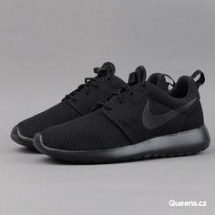 3883beddebf0 Nike WMNS Roshe One black   black - anthracite  Dámské nízké moderní tenisky  od značky