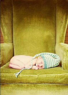 love the green chair, and the night cap. Newborn Pictures, Baby Photos, Newborn Photography, Photography Ideas, Baby Bumps, Note To Self, Bassinet, Knitting, Chair
