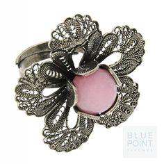 Anello PINKROMANTIC | Design by F. Puppo @bluepointfirenze #bpf #bluepoinfirenze #instaglamour  #filigrana #bigiotteria  #accessorizes #flowers #style #quarzo #argento #like #gioielli #moda #sposa #instafashion #beautiful #fashion #jewels #glamour #perle #musthave #puppo #anello #handmade
