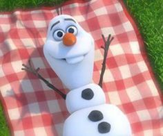 Images and videos of funny olaf Disney Olaf, Disney Jokes, Disney Frozen Elsa, Olaf Frozen, Funny Iphone Wallpaper, Disney Phone Wallpaper, Frozen Wallpaper, Disney Cartoon Characters, Christmas Characters