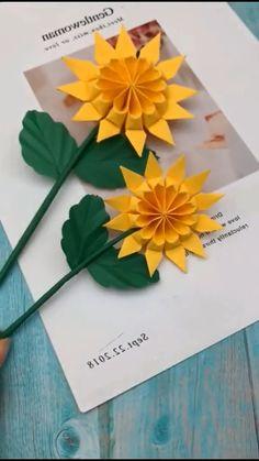 Diy Crafts Hacks, Diy Crafts For Gifts, Cute Crafts, Creative Crafts, Easy Crafts, Diys, Paper Flowers Craft, Flower Crafts, Flower Oragami