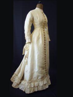 Dress, ca 1878-80, Kulturhistorisches Museum Schloss Merseburg