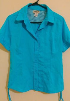 Like new women's Magellan Sportswear blue fishing shirt. Short sleeve, button down with back mesh vent. This shirt has a front zippered pocket, prince... #fishing #shirt #blue #size #sleeve #short #magellan #outdoor #vented #womens http://www.uksportsoutd
