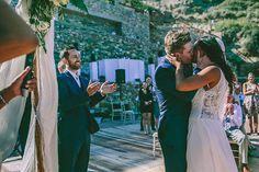 Ρουστικ γαμος στη Σιφνο | Amy & Mathew - Love4Weddings Wedding Moments, Rustic Wedding, Most Beautiful, Kiss, Bride, Couple Photos, Couples, Wedding Bride, Couple Pics