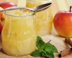 Gelée de pomme ultra light à tartiner : http://www.fourchette-et-bikini.fr/recettes/recettes-minceur/gelee-de-pomme-ultra-light-tartiner.html