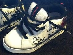 HEELYS KIDS Skate Shoes For Both Boys Or Girls YOUTH Size: 3 NO RESERVE!