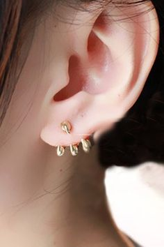 Gold Vintage Punk Eagle Claw Ear Stud. Want this earings :)