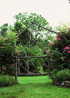 Beautiful garden by KY landscape designer Jon Carloftis, Fine Gardens