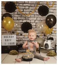 Unique Baby Boy Photoshoot Ideas For Your Little Ones - Wittyduck Baby Boy 1st Birthday Party, 1st Birthday Photoshoot, 1st Birthday Cake Smash, Baby Girl Pictures, Baby Boy Photos, Fotos Baby Shower, Birthday Pictures, 1st Birthdays, Unique Baby