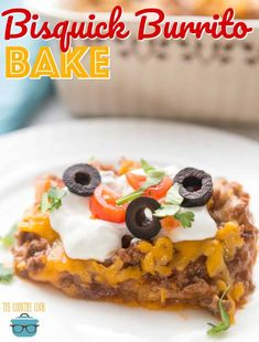 Double for a crowd. Impossible Bisquick Burrito Bake recipe from The Country Cook Mexican Dishes, Mexican Food Recipes, Dinner Recipes, Dinner Ideas, Mexican Desserts, Mexican Meals, Drink Recipes, Dinner Options, Shake Recipes