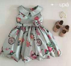 Vestido leve e colorido para alegrar o outono! Light and colorful dress to brighten the fall! Baby Girl Frocks, Frocks For Girls, Dresses Kids Girl, Baby Girl Party Dresses, Kids Outfits, Baby Frocks Designs, Kids Frocks Design, Kids Dress Wear, Kids Gown