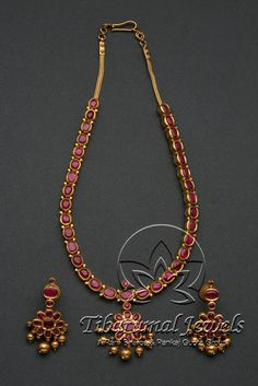 Jewellery Indian Jewellery and Clothing: Simple and light weight necklace studded with rubies. Ruby Necklace Designs, Gold Jewellery Design, Emerald Jewelry, India Jewelry, Schmuck Design, Simple Jewelry, Bridal Jewelry, Bridal Necklace, Necklace Set