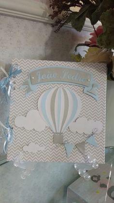 Caderno do bebê em scrapbook com capa dura e encadernação em wire-o personalizado com o nome do bebê. Fazemos em outras cores, consulte-nos!!  ***favor ler as políticas da loja***