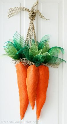 How to Make Deco Mesh Carrots for Easter and Spring