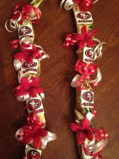 San Francisco Candy Lei by LovelyLeisNSeis on Etsy College Graduation Cakes, Graduation Crafts, Graduation Leis, Senior Gifts, Grad Gifts, Diy Gifts, 49ers Birthday Party, Money Lei, Candy Crafts