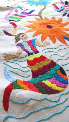 Otomi Table Runner embroidered in multicolor. Mexican Embroidery, Embroidery Motifs, Cross Stitch Embroidery, Bordado Popular, Mexican Designs, Mexican Folk Art, Color Shapes, Needlework, Hand Weaving