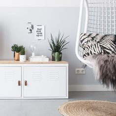 cheerful IKEA hacks that you'll want to recreate This IKEA PS storage cabinet looks even better without legs.This IKEA PS storage cabinet looks even better without legs. Living Tv, My Living Room, Ikea Bedroom, Bedroom Storage, Bedroom Apartment, Ikea Metal Cabinet, Diy Home Decor Bedroom For Teens, Diy Storage Cabinets, Minimalist Decor