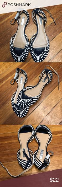 Cute Report signature sandals . Never worn Very cute shoes. Never worn Report Signature Shoes Flats & Loafers