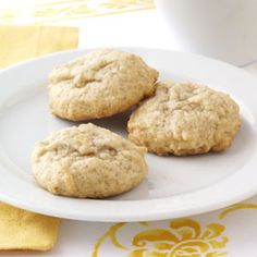 Soft Honey Cookies Recipe -This old-fashioned cookie has a pleasant honey-cinnamon flavor and a tender texture that resembles cake. It has been a family favorite for years and I thought the recipe should be shared with your readers. Honey Recipes, Baking Recipes, Sweet Recipes, Cookie Recipes, Egg Recipes, Köstliche Desserts, Delicious Desserts, Dessert Recipes, Yummy Food