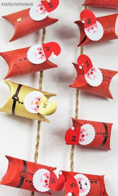 Tinker with children - make advent calendar yourself with Klo .- Make advent calendars yourself from collected toilet paper rolls. A homemade advent calendar is also a gift idea. Crafts To Do, Craft Projects, Crafts For Kids, Children Crafts, Outdoor Christmas Decorations, Christmas Crafts, Christmas Ornaments, Toilet Paper Roll Diy, Diy Paper