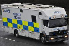 Thames Valley Police Mercedes Benz Atego OU04 FZC