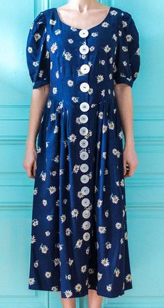 Big buttons on clothes Button Dress, Fashion Dresses, Women's Fashion, Short Sleeve Dresses, Buttons, Beautiful, Big, My Style, How To Wear