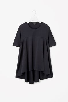 COS | Clean-edge flared top