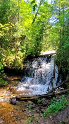 Waterfalls to see in Michigan