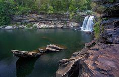 Piscinas naturais em Little River Canyon, no Alabama #momondo
