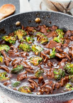 This Insanely Delicious Beef And Broccoli Stir Fry Is Way Better Than Any Restaurant Version! - Daily Cooking Recipes This Insanely Delicious Beef And Broccoli Stir Fry Is Way Better Than Any Restaurant Version! Beef And Brocolli, Chinese Beef And Broccoli, Easy Beef And Broccoli, Beef Broccoli Stir Fry, Best Stir Fry Recipe, Stir Fry Recipes, Healthy Dinner Recipes, Cooking Recipes, Delicious Recipes