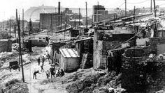 Poverty in Spain during Franco's dictatorship: Montjuich al fondo, desde el Somorrostro, Barcelona