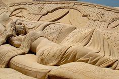 WOW!!! Amazing Sand Art!