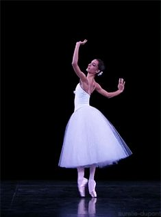 ZsaZsa Bellagio – Like No Other: Paris Opera Ballet Ballet Pictures, Ballet Photos, Ballet Gif, Ballet Dance, Pantomime, Gifs, All About Dance, Paris Opera Ballet, People Dancing