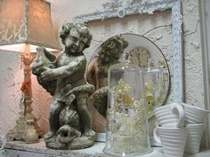 Love these cherubs.  These are at Posh's new store in Venice Beach, Fla.   Looking forward to going there sometime.