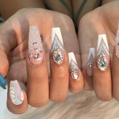 Yes indeed! Love these nails! Nail design idea | coffin shaped nails | decorado de unas