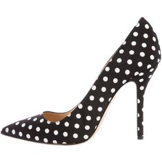 Pre-owned Oscar de la Renta Polka Dot Pointed-Toe Pumps ($145) ❤ liked on Polyvore featuring shoes, pumps, black, print shoes, pointed toe shoes, polka dot pumps, black spot shoes and black pointed toe shoes