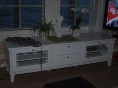 Hirsitalo -blogi: Kukkapöytä siitä taitaa tullakin.  Ida taso 170 lasiovilla valkoinen Dresser, Cabinet, Storage, Furniture, Home Decor, Clothes Stand, Purse Storage, Powder Room, Decoration Home