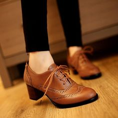 New Retro England Style Pointy Toe Thick Low-heeled Lace Oxfords Heels Carved Leather Shoes Brogue T_WSF009