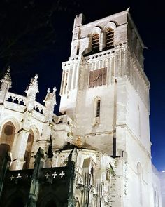 Happy Saturday from this Spectacular cathedral in Béziers. Looks like the castle in Beauty & the Beast   #CCodeAreas __________________________________________________________ #lifestyleblogger #cathedral #history #castle #saturday #weekend #fashionblogger #france #january #chelissacode __________________________________________________