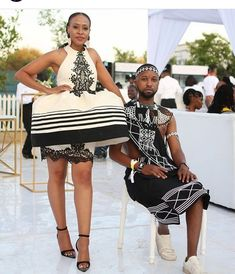 Do you want to craft SOUTH AFRICA XHOSA DRESSES from your modern fabric and don't have an idea of where to start or what to make? Xhosa Attire, African Attire, African Wear, African Dress, African Traditional Wedding Dress, Traditional Outfits, Traditional Styles, South African Fashion, African Print Fashion