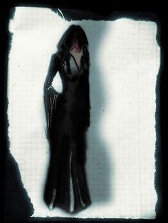 Czarna długa suknia do ziemi, z doszytym kapturem. To moja kolejna inspiracja, która przyszła mi do głowy w ostatnim okresie. Czarny kolor...