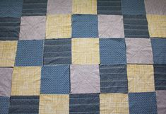 How to Make a Rag Quilt From Start to Finish Quilting Tutorials, Quilting Designs, Christmas Rag Quilts, Rag Quilt Instructions, Flannel Rag Quilts, Denim Quilts, Rag Quilt Patterns, History Of Quilting, Quilt Border