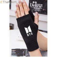New kpop BTS Bangtan Boys Winter Gloves BTS Logo Printed Cashmere knitted Warm Half-finger Gloves Kpop Fashion, Korean Fashion, Girl Fashion, Fashion Outfits, Bts Hoodie, Bts Shirt, Mochila Do Bts, Bts Bag, Bts Clothing